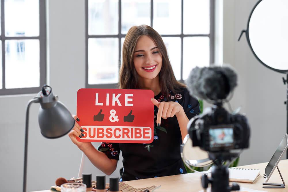 Vlogger | VidCon 2019 | Bulldog Marketing